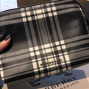 Burberry pouch